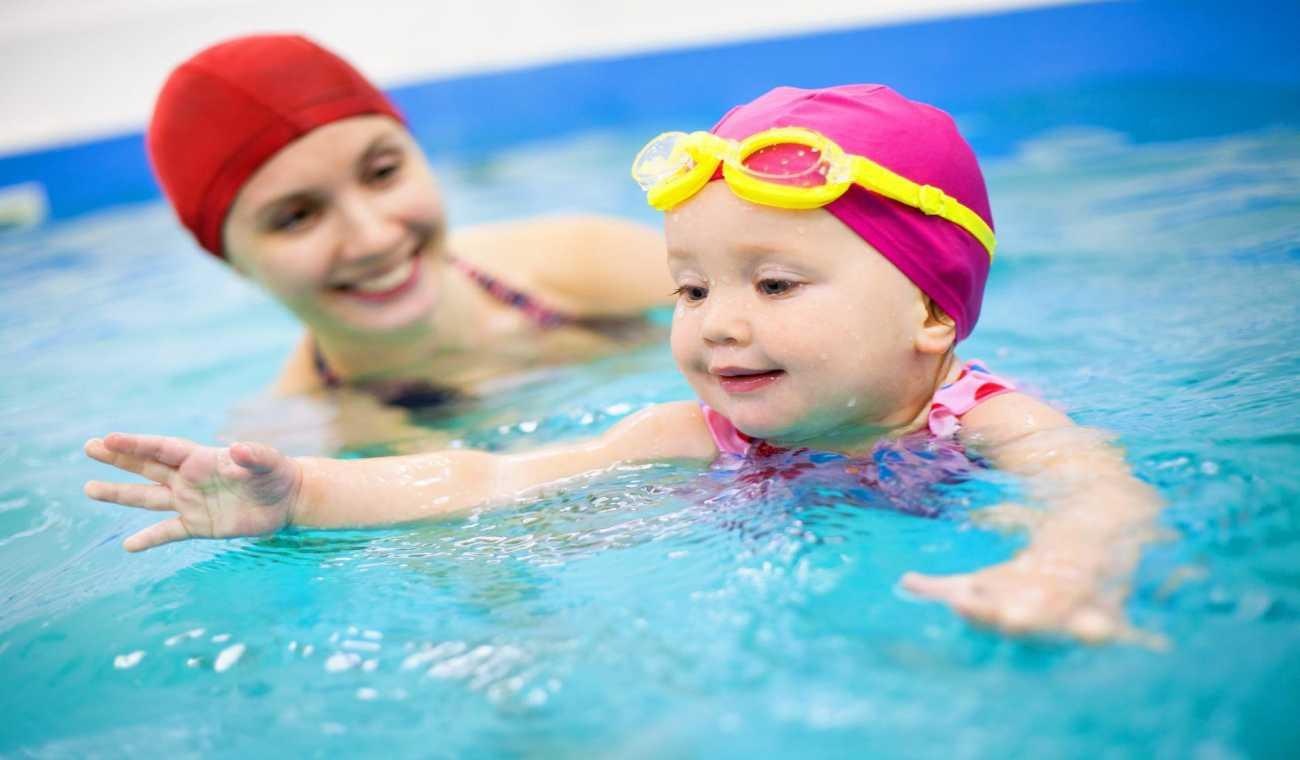 Quando colocar o bebê na natação?