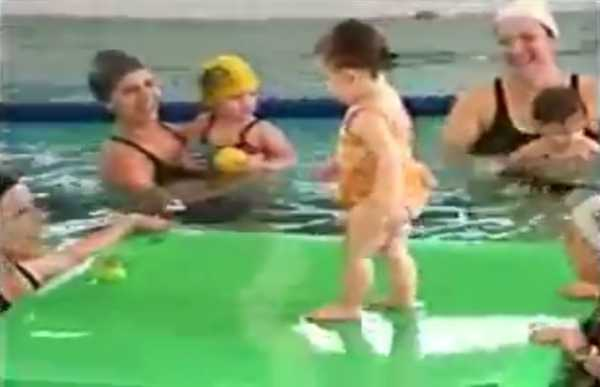 Matéria do SBT sobre natação para bebês 17/08